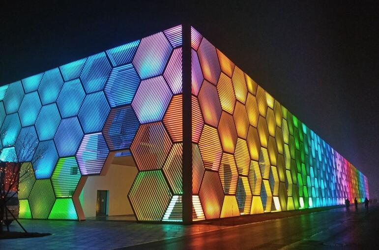 色彩在夜景照明中的应用.jpg